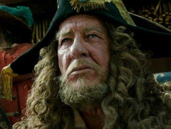 Джеффри Рашу понравился глупейший твист с Барбоссой в новых «Пиратах»