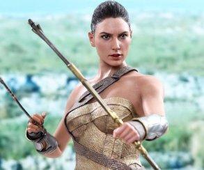 Новая фигурка Чудо-женщины удивительно похожа на Галь Гадот