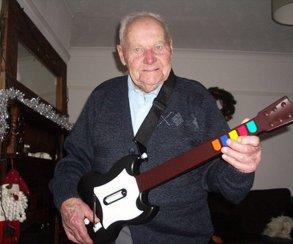 Дополнительные песни для Guitar Hero пропадут из продажи