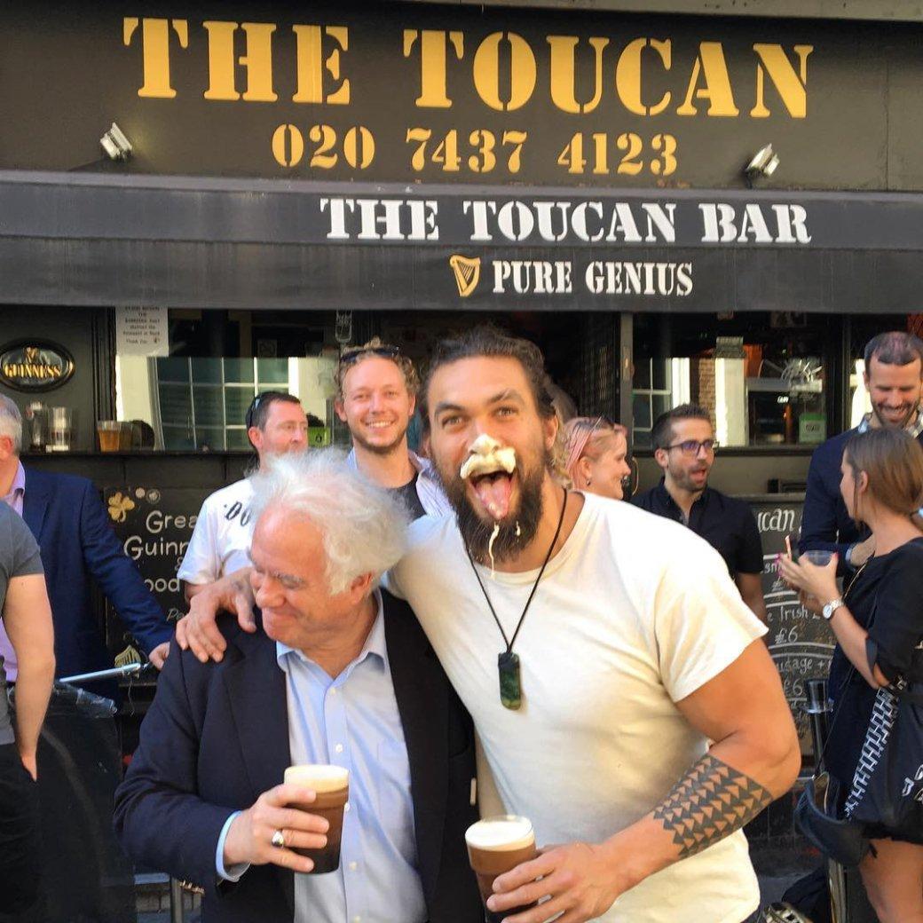 Аквамен купается в пиве: Джейсон Момоа получил свой сорт Guinness - Изображение 3