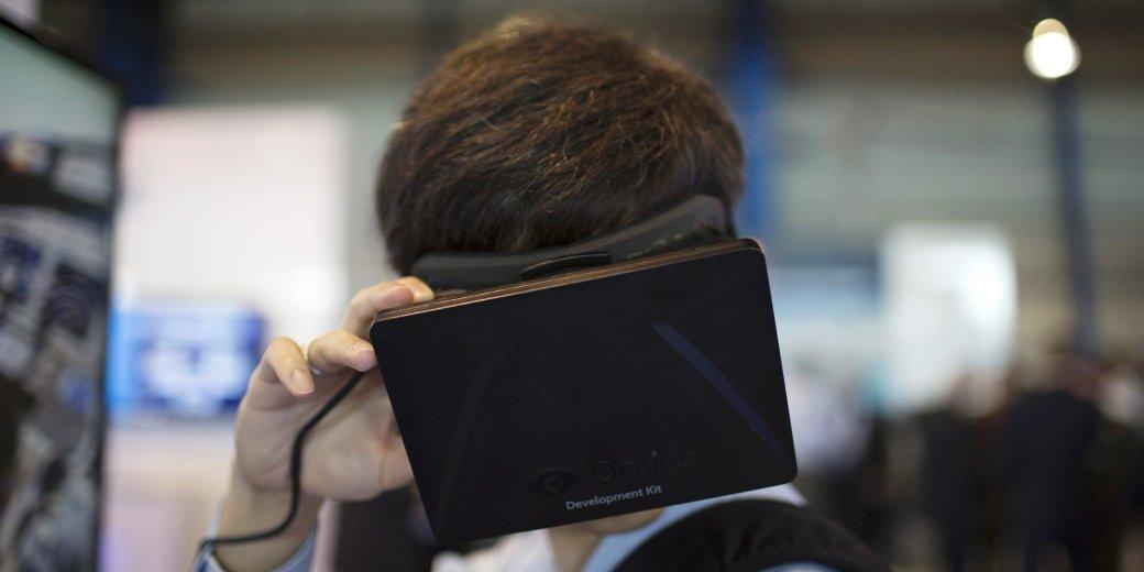 Samsung разрабатывает устройство виртуальной реальности с Oculus VR  - Изображение 1