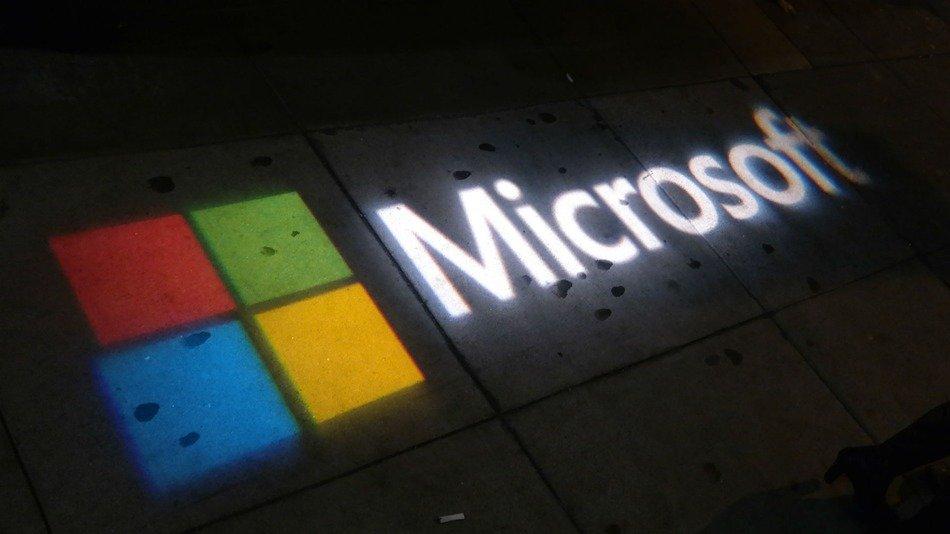 Работники Microsoft взбунтовались из-за принуждения кпросмотру суровых видео