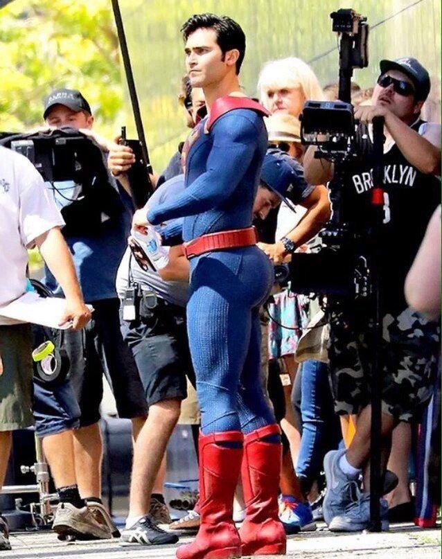 Тайлер Хэклин в роли Супермена порадовал фанатов своим задом - Изображение 1