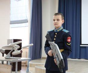 Юные российские кадеты представили свои модели оружия. Среди них оказалась винтовка из Mass Effect