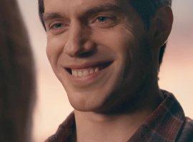 «Каково тебе было вернуться, Кларк?» HBO издевается над усами Генри Кавилла в«Лиге справедливости»