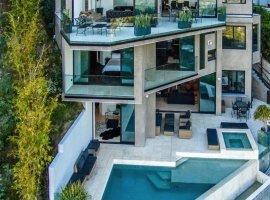 Minecraft-стример купил дом по соседству с Нотчем за $4.5 миллиона