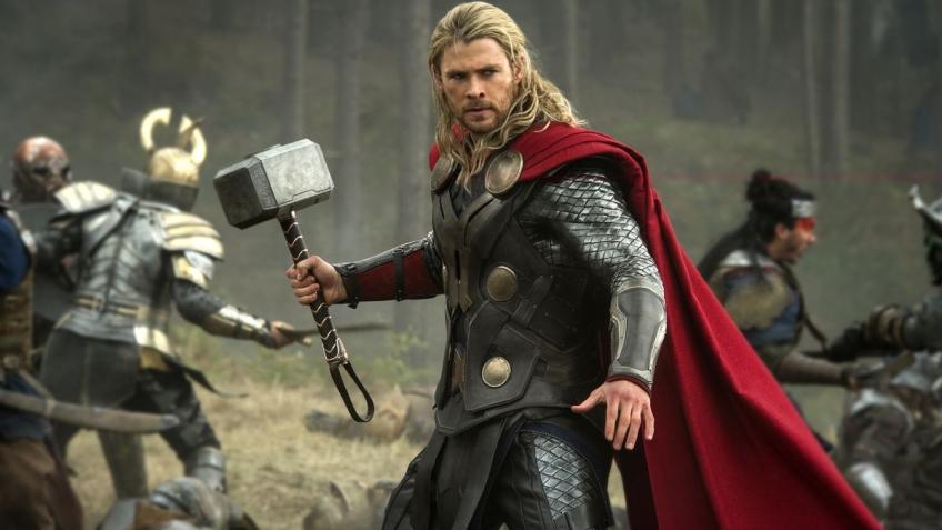 Крис Хемсворт в шутку проспойлерил «Мстителей 4». У Тора будет новое оружие? | Канобу - Изображение 11276