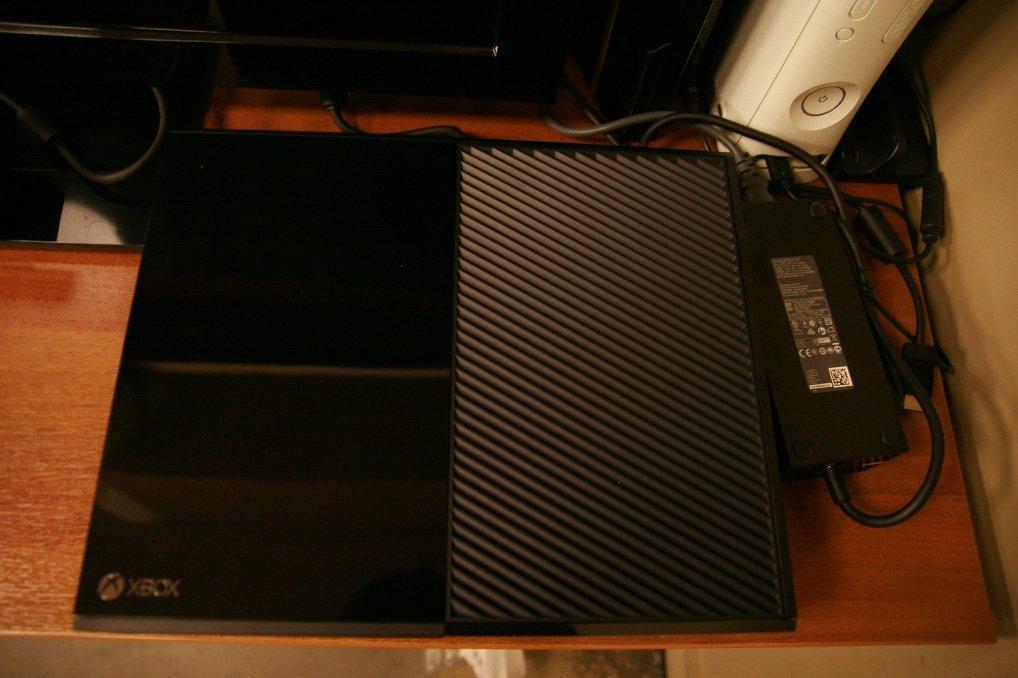 Xbox One: распаковка и первый запуск | Канобу - Изображение 1