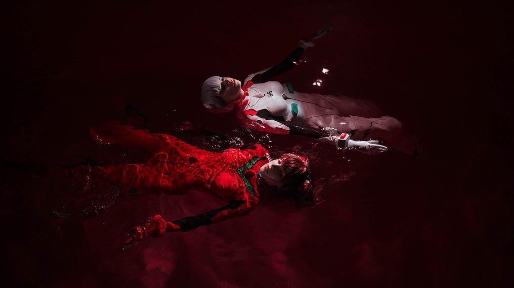 Утопающие, новсе еще прекрасные Аска иРэй вкосплее Neon Genesis Evangelion | Канобу - Изображение 1399