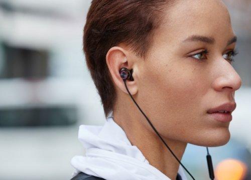 OnePlus представила беспроводные наушники Bullets Wireless2