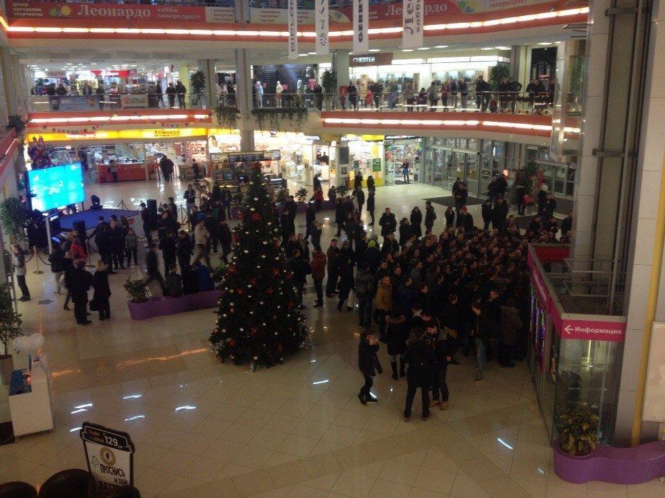 Ранний старт продаж PlayStation 4 в Санкт-Петербурге | Канобу - Изображение 2