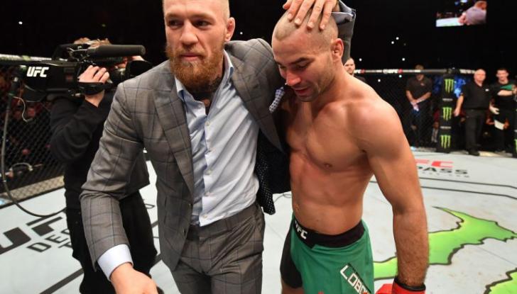 Звезда MMA Конор Макгрегор с друзьями атаковал автобус UFC. Все из-за конфликта с российским бойцом | Канобу - Изображение 0