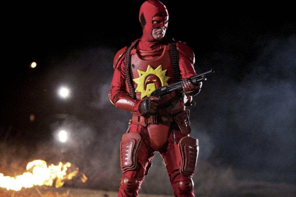 Отмаски Роршаха доБэт-сосков: самые крутые ибезумные костюмы супергероев вистории кино | Канобу - Изображение 4
