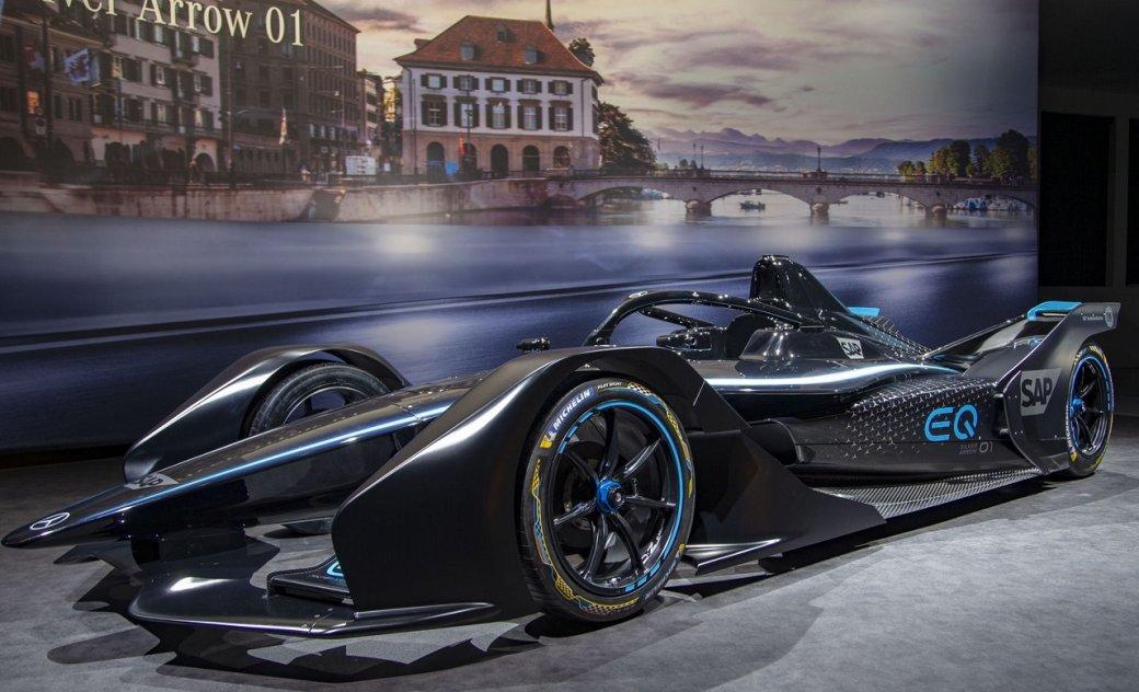Mercedes-Benz представила EQSilver Arrow 01— свой первый гоночный электромобиль  | Канобу - Изображение 1397