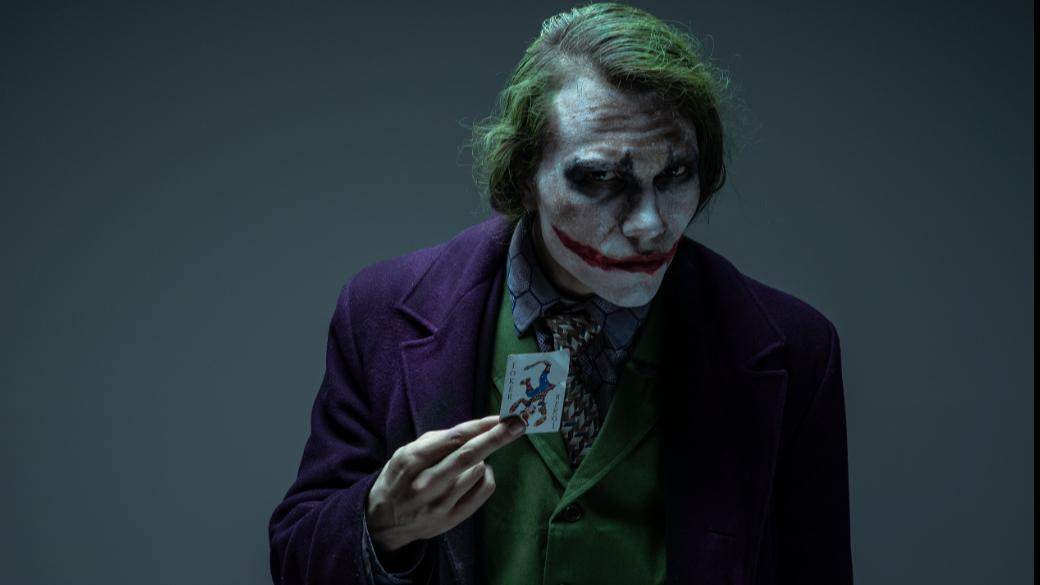 Устрашающий Джокер из «Темного рыцаря» в невероятном косплее Александра Вольфа. - Изображение 1