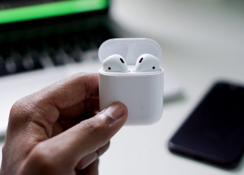 Раскрыты цены иподробности беспроводных наушников Apple AirPods 2иQi-зарядки AirPower